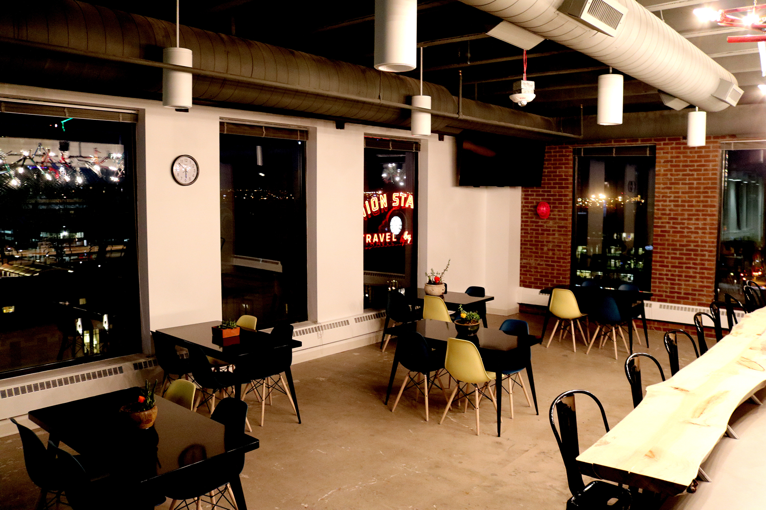 Expedia Dining Area and Kitchen Commercial Construction Denver Colorado